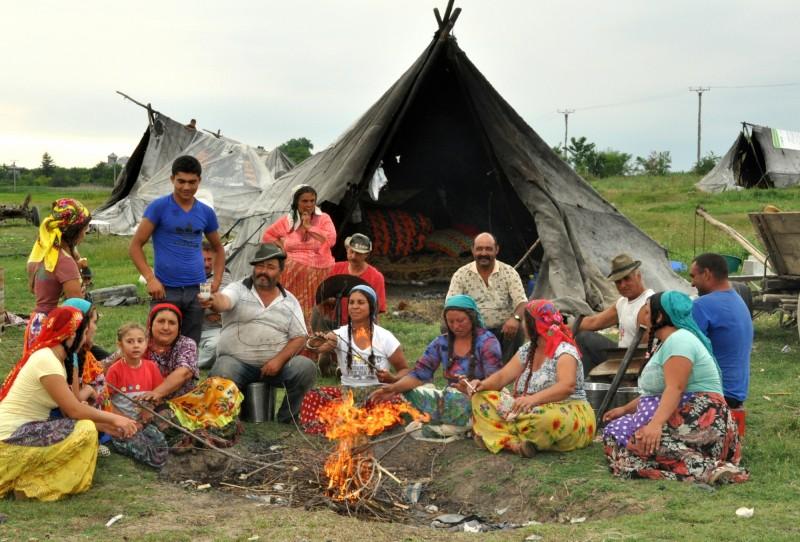 Ţiganii din România cer azil politic în SUA. Spun că sunt persecutați