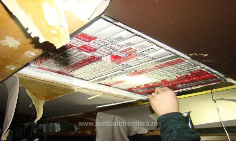 Țigări de contrabandă găsite în mașina unui botoșănean - FOTO