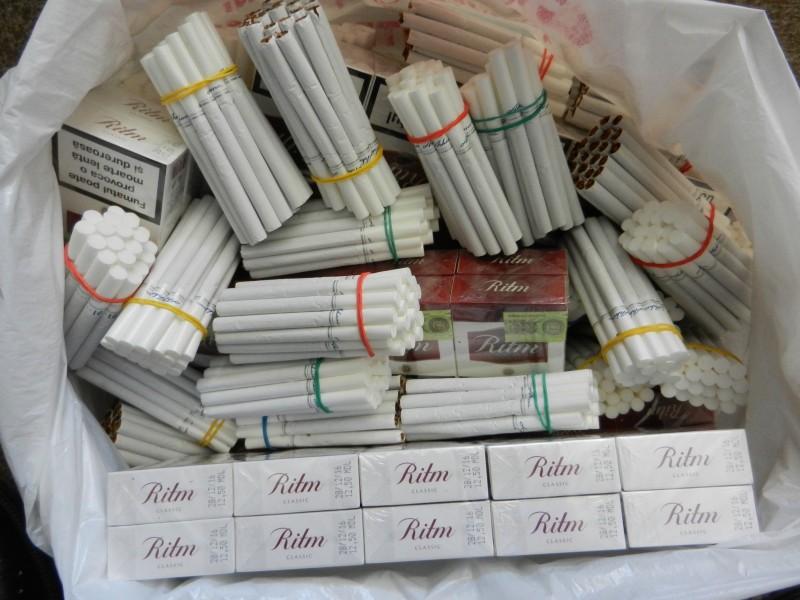 """""""Afacere"""" cu țigări de contrabandă într-un bar din Botoșani, depistată de jandarmi"""