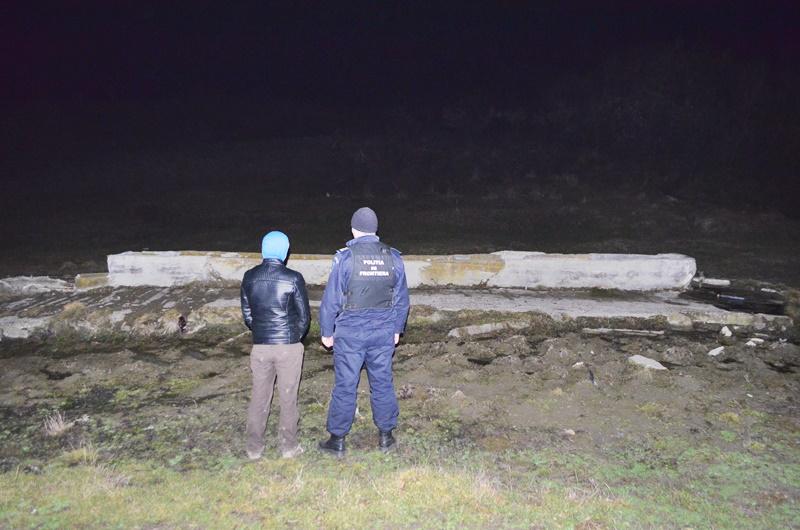 Contrabandiști prinși în acțiune, pe malul Prutului! Patru persoane reținute! FOTO