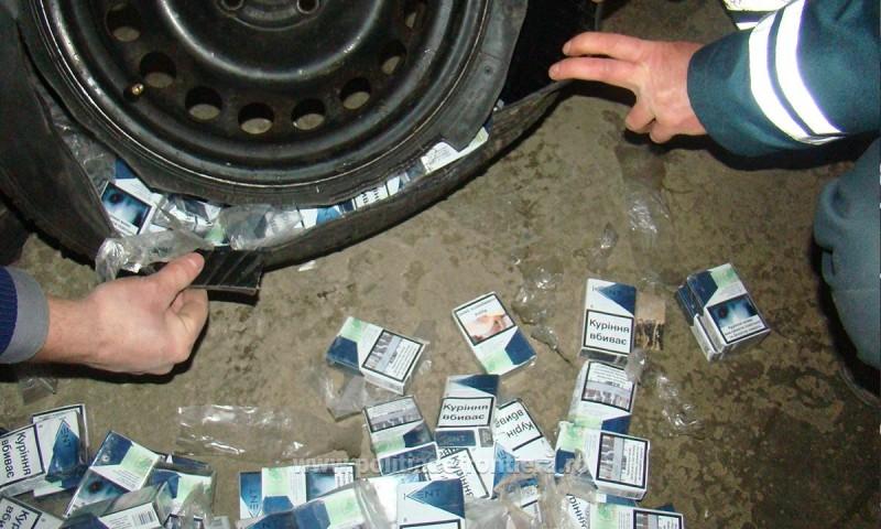 Țigări de contrabandă, ascunse în anvelopele autoturismului unui botoșănean!