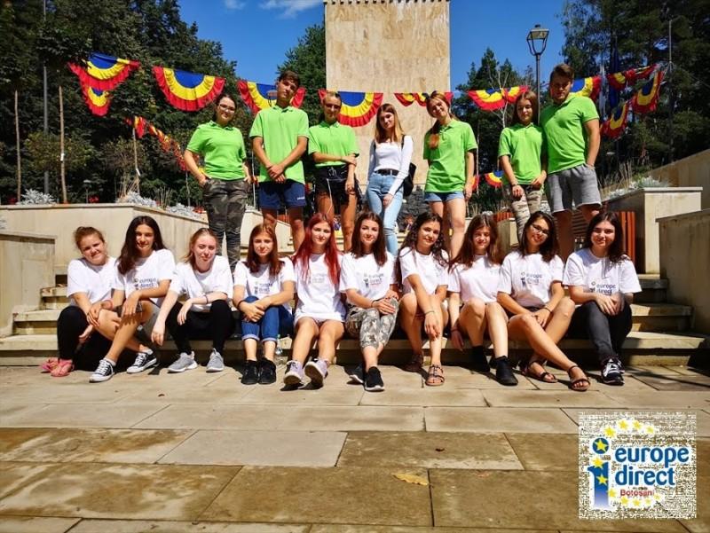 """Tineri din Botoșani și din Suceava, la """"vânătoare"""" de proiecte"""
