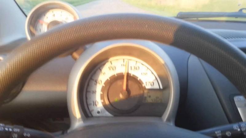 Tineri și teribiliști: Circula cu 107 km/h, pe un drum limitat la 50 km/h!