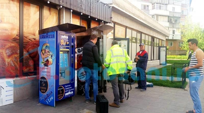 Automat de cafea distrus in Parcul Tineretului! S-au furat banii din el! FOTO