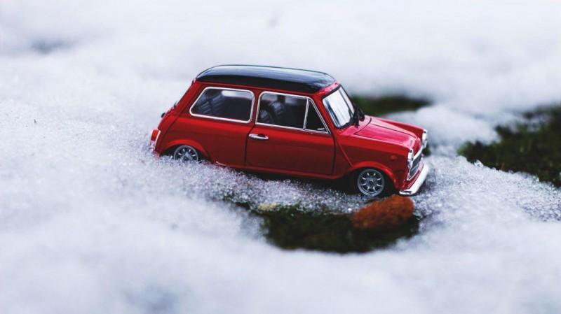 Tot ce trebuie să știi despre pregătirea mașinii pentru sezonul rece