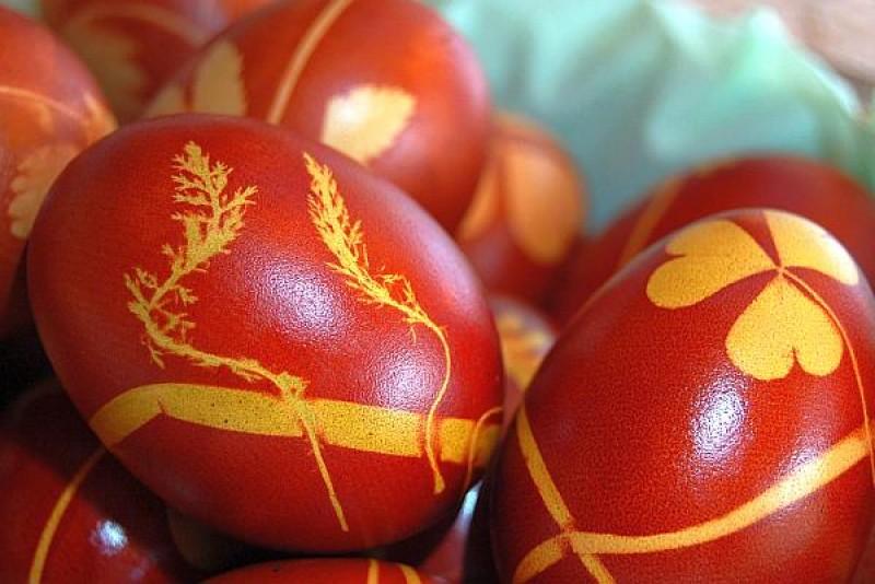 Tradiții și obiceiuri la țară și la oraș, în Joia Mare