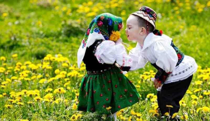 Tradițiile românilor: Dragobetele, sărbătoare tradiţională a iubirii