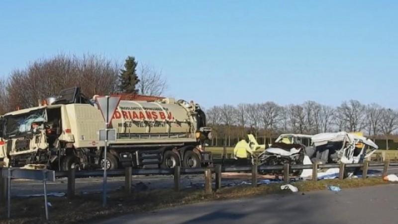Tragedie în Olanda! Cinci cetăţeni români au murit într-un cumplit accident rutier