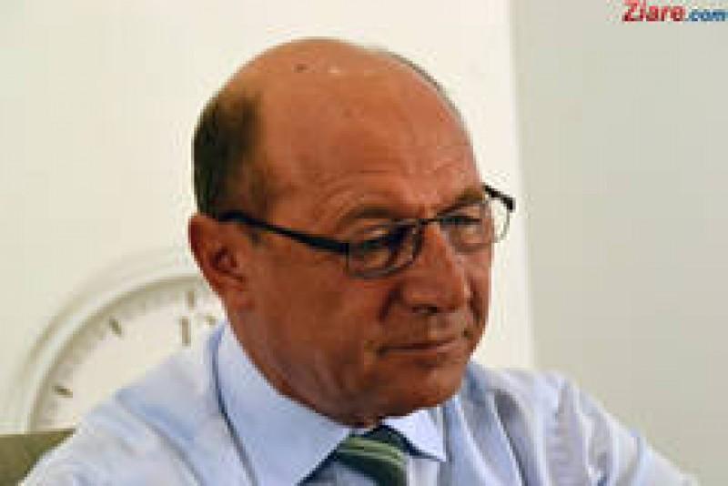 """Traian Băsescu despre demisia anunţată pe Facebook: """"Unii mi-au anunţat demisia, este o predare graduală a ştafetei. O să caut unul ca mine"""""""