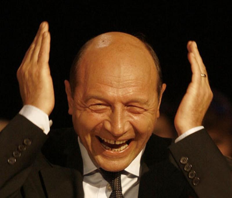 Traian Basescu: Mie imi spuneti ca ma prabusesc in sondaje, dar castig in alegeri