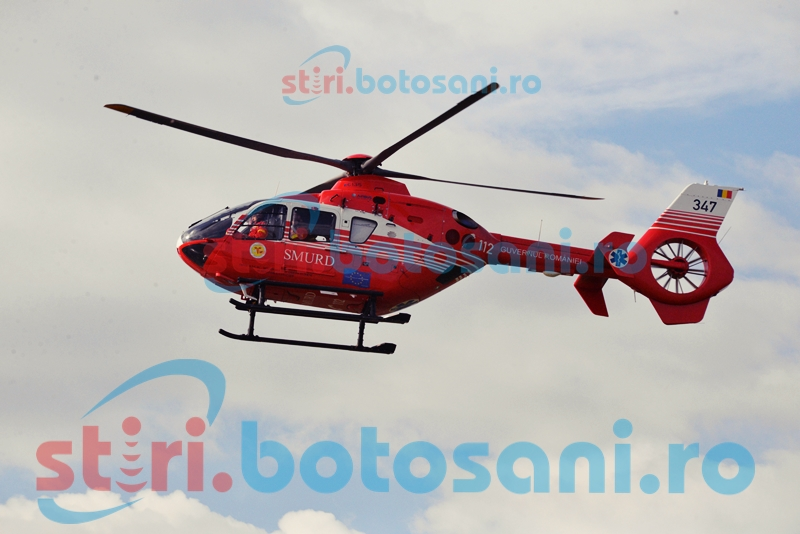 Transportat la Iași în stare gravă, după ce s-a prăbușit pe trotuar!