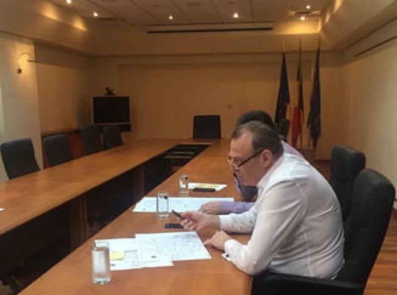 Transportatorii nu s-au inteles cu ministrul Sova si vor lasa joi aproape un milion de calatori pe drumuri