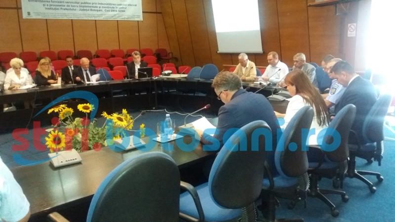 Trei directori de instituţii din Botoşani, puşi să îşi dea demisia
