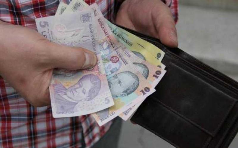 Trei persoane acuzate de comerț ambulant ilegal au fost amendate de poliție la Stăuceni