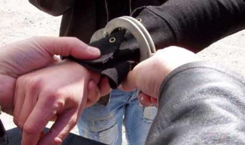 Trei suceveni au fost aduși în Penitenciarul Botoșani. Unul din ei a fost ridicat chiar de la aeroport când se pregătea să plece
