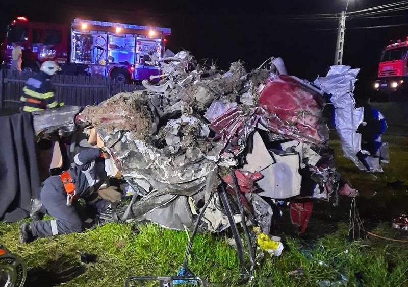 Lângă noi: Trei tineri au murit într-un accident rutier produs pe o şosea din Suceava