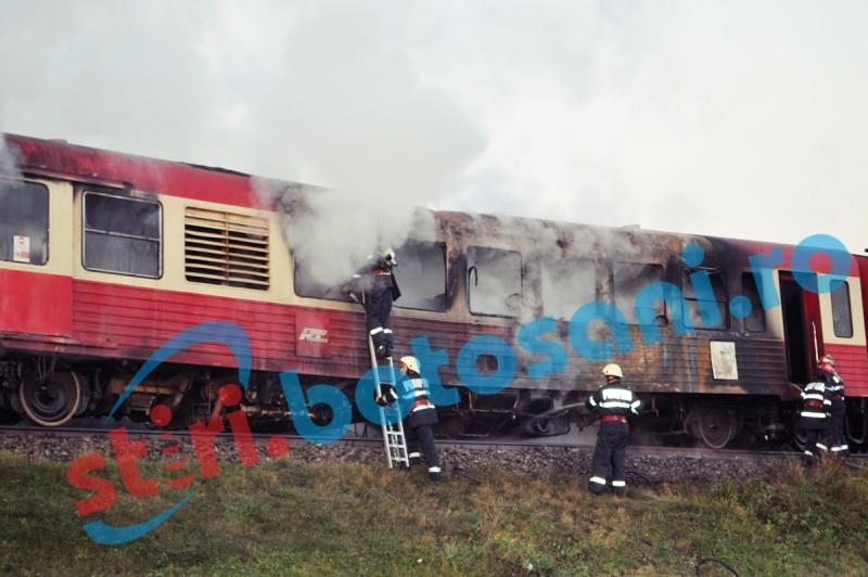 Tren în flăcări la Dorohoi! Calatorii au fost evacuati - FOTO