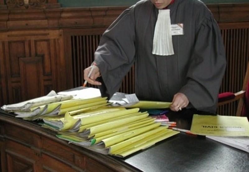 Trimişi în judecată după ce nu au respectat obligaţiile impuse de magistraţi!