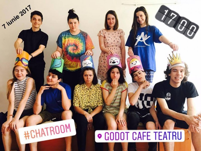 Trofeul unui festival naţional de teatru a ajuns la Botoşani! FOTO