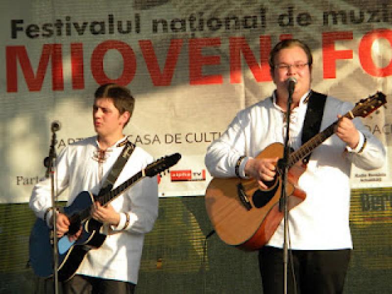 Trupa Icarus, Premiul II la Festivalul National de Folk de la Mioveni! VIDEO