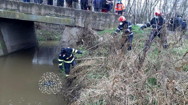 Trupul unui bărbat a fost recuperat dintr-un pârâu la Rădăuți Prut