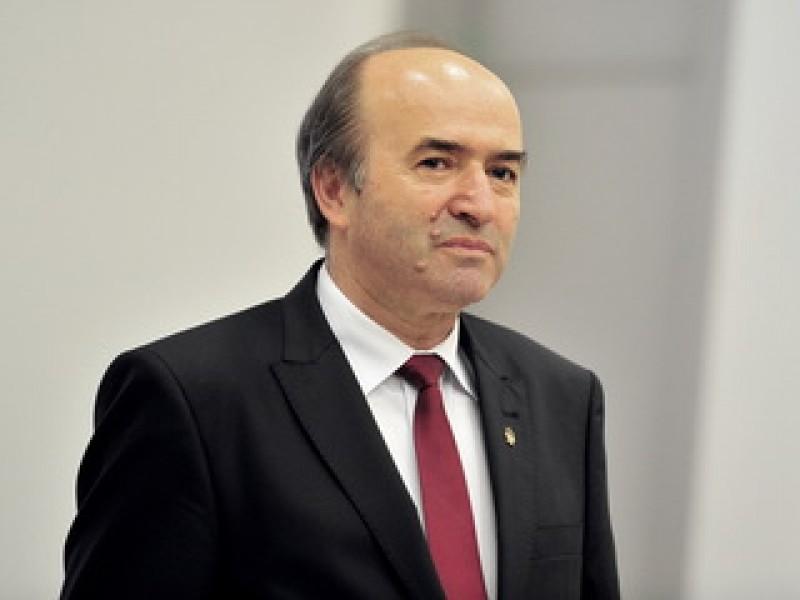 Tudorel Toader: Declanşez procedura de revocare din funcţie a procurorului şef al DNA