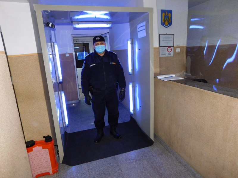 """Tunel de decontaminare donat Inspectoratului jandarmilor. """"Ne este de un real folos"""""""
