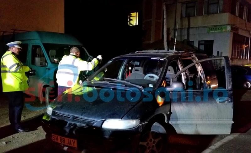 INCREDIBIL! Doi bărbați și o femeie au fost încatușați de polițiști, după ce au speriat șoferii din municipiul Botosani! Vezi ce infracțiuni au comis! FOTO
