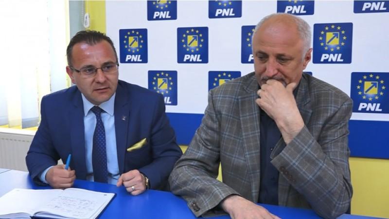 Țurcanu i-a încălecat pe liberali la Botoșani, iar PNL țipă ca din gură de șarpe că nu cedează posturile de directori la Statistică și Protecția Consumatorului