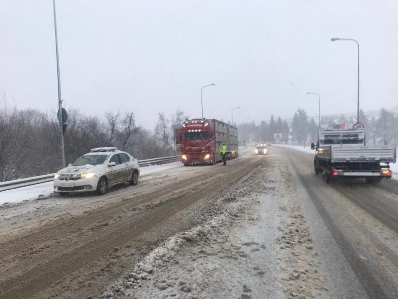 Ultimă oră: Traficul pe drumurile spre Suceava și spre Iași, restricționat temporar pentru vehiculele de mare tonaj