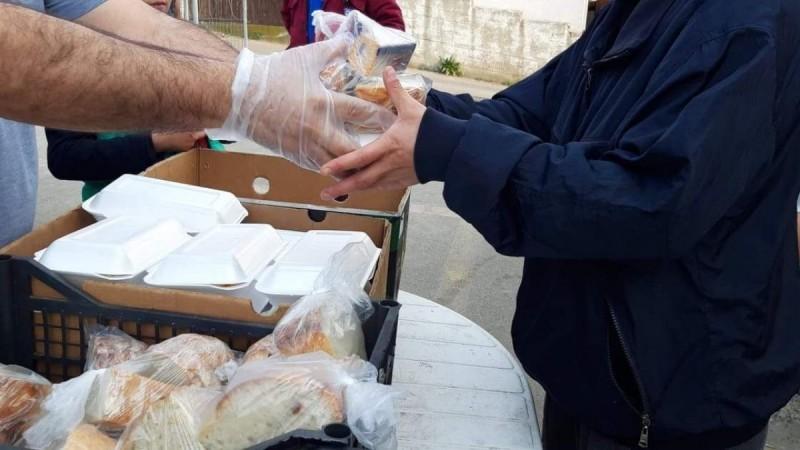 Un antreprenor și un profesor de religie din județul Botoșani luptă pentru persoanele nevoiașe care au nevoie de ajutor