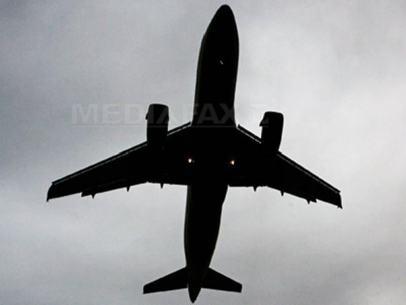 Un avion de pasageri cu 66 de oameni la bord s-a prăbuşit. Nu există niciun supravieţuitor!