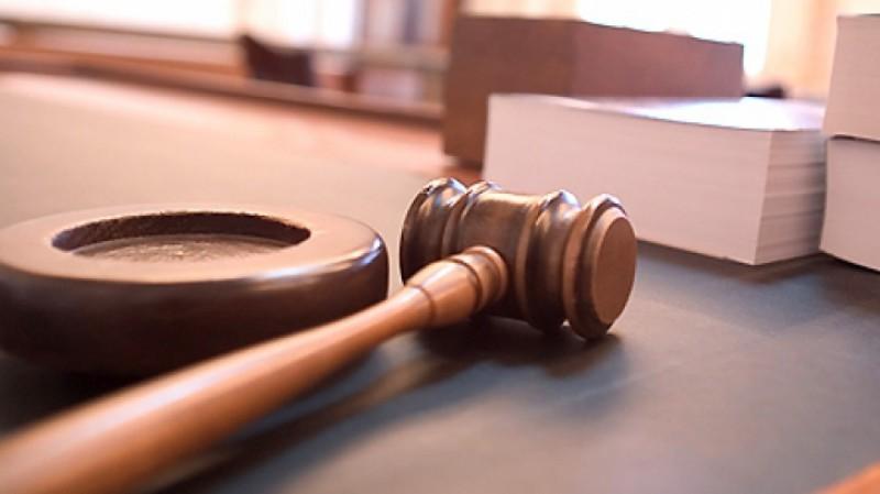 Un bărbat a fost condamnat de judecătorii botoşăneni, după ce şi-a bătut un consătean care i-a reproşat că i-a tăiat un copac