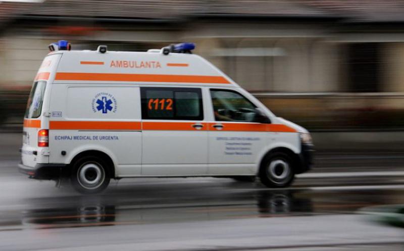 Un bărbat din Dorohoi a fost trimis urgent la Iași cu botulism! Consumase un batal de oaie de la un restaurant