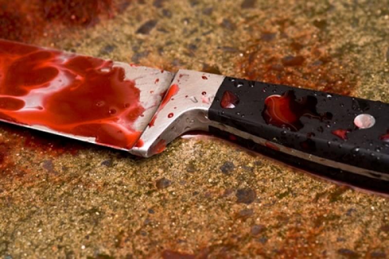 Un bărbat din județ și-a înjunghiat tatăl de 70 de ani