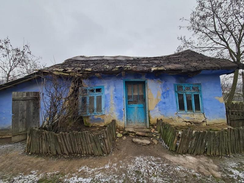 Un bărbat dintr-o comună din Botoșani riscă să-și piardă viața în propria locuință