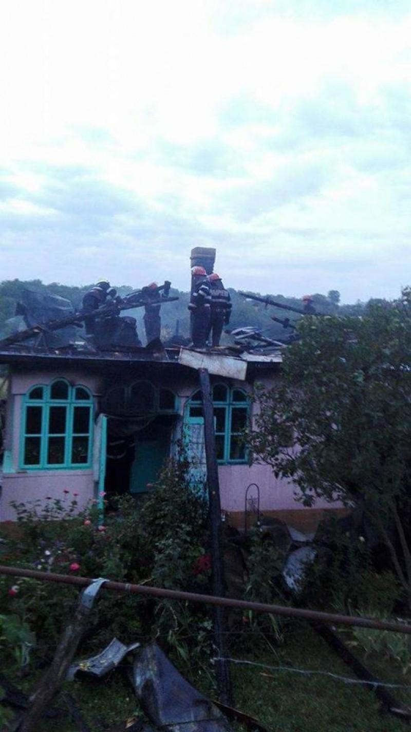 Un bărbat și-a pierdut viața într-un incendiu, la Hudești! FOTO