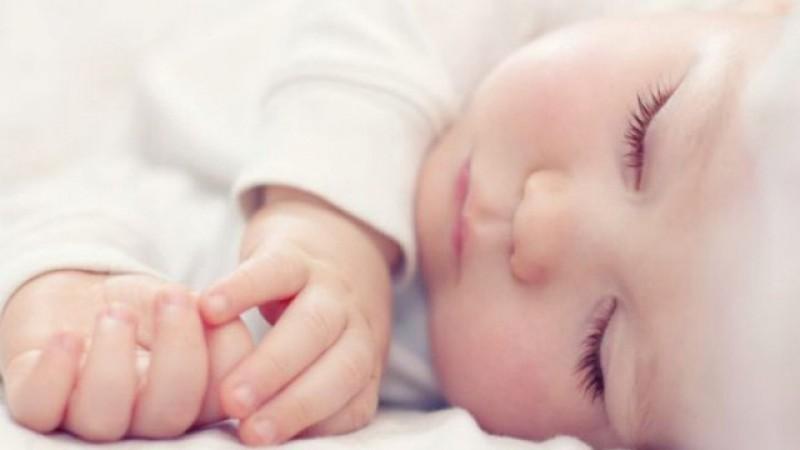 Un bebeluș de numai patru săptămâni din Botoșani a fost infectat cu coronavirus