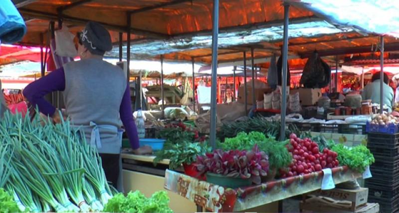 Un botoșănean a fost bătut măr în piața en-gross din Suceava!