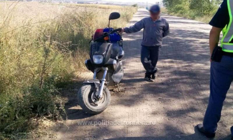 Un botoșănean a fost depistat în trafic fără permis în timp ce conducea un moped neînregistrat