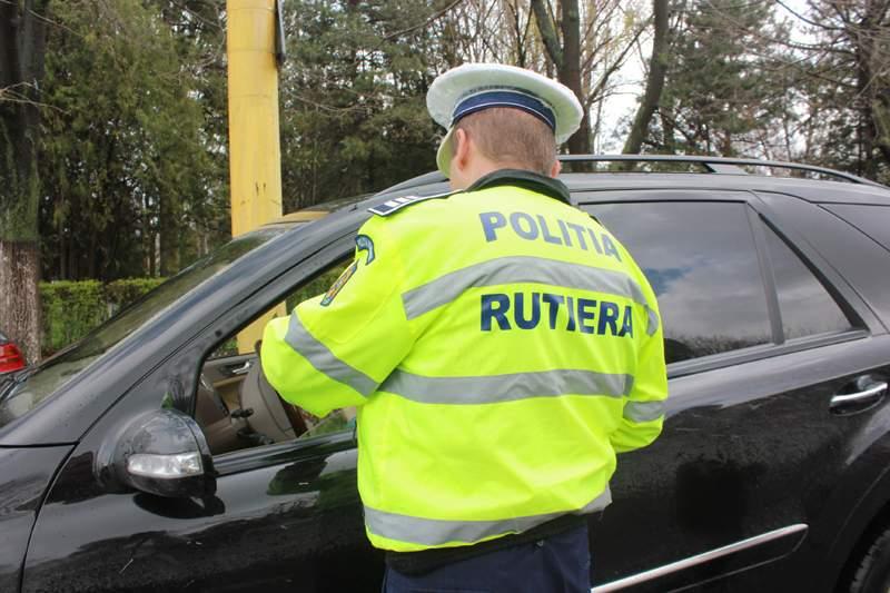 Un botoșănean a fost prins în trafic cu un permis fals emis în Anglia!