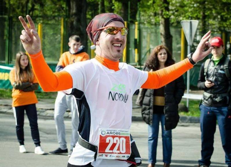 Un botoşănean aleargă la Paris Marathon, pentru Casa Enescu şi Muzeul Nordului!