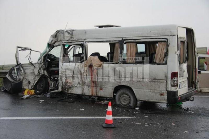 Un botoșănean, autorul unui accident cu doi morţi şi şapte răniţi, a scăpat în ultimul moment de puşcărie