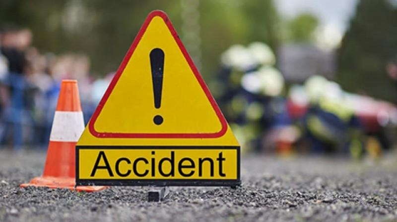 Un botoșănean beat și fără carnet a făcut un accident auto, după care a șters-o de la fața locului.