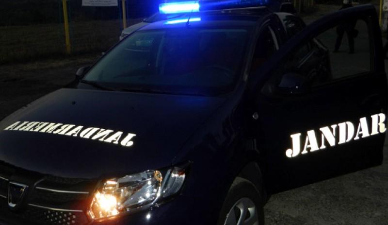 Un botoșănean care se credea Omul Păianjen a fost prins și amendat aseară de jandarmi cu 500 de lei
