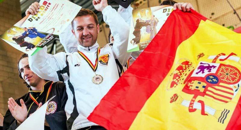 Un botoșănean, exemplu de disciplină și respect în Insulele Canare. Campion Mondial pentru Spania, Laurențiu Condraschi s-a dedicat doar muncii de profesor în arte arte marțiale în Tenerife