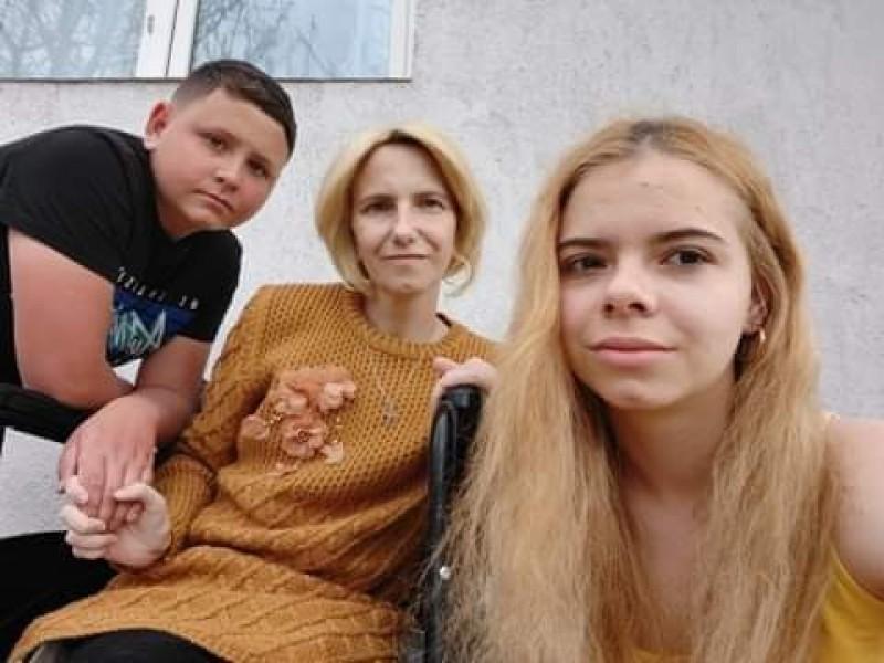 Un cadru didactic din Botoșani, mamă a doi copii, are nevoi urgent de sânge pentru a supraviețui