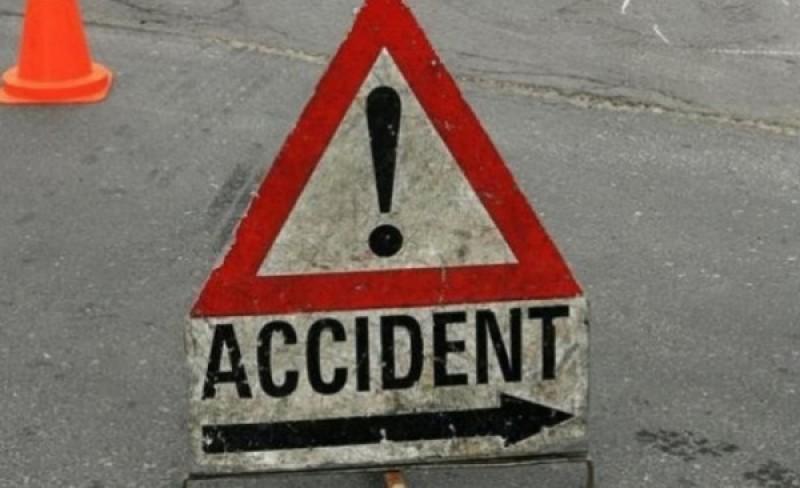 Un dărăbănean grăbit a produs un accident în Suceava: Două persoane rănite și trei mașini avariate!
