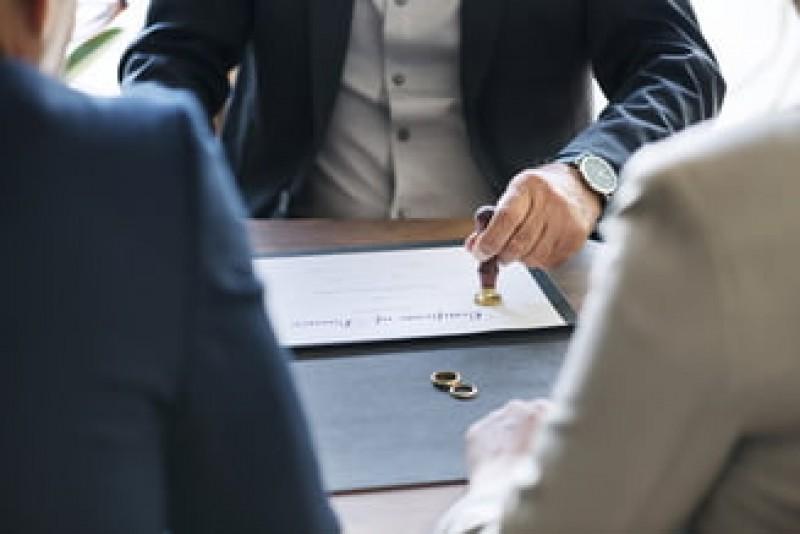 Un deputat PSD propune acordarea unui concediu plătit pentru divorț