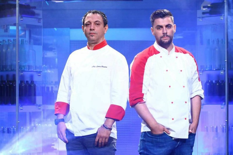 """Un finalist de la """"Chefi la Cutite"""" a scos la licitatie costumatia de bucatar, pentru a o ajuta pe Mihaela Matei! FOTO"""